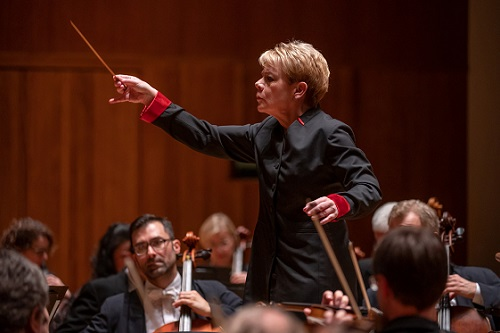 Marin Alsop conducting orchestra