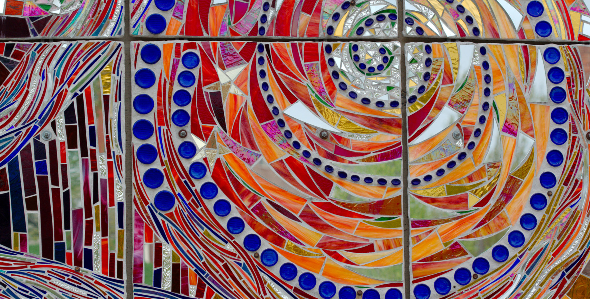 Closeup of American Visionary Arts Museum mosaic ©Henry Hartley